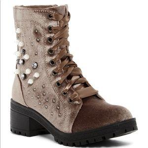 Madden Girl   Elsahh Embellished Boots